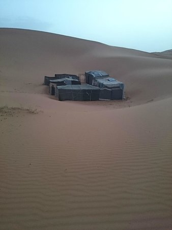 Riad Aicha: Acampamento nas Dunas de Erg Cheb