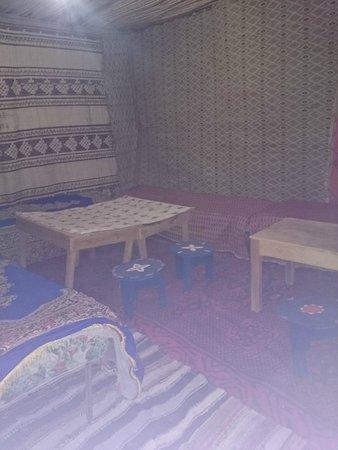 Riad Aicha: Restaurante do Acampamento nas Dunas Erg Cheb