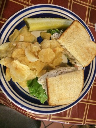 Apple House : Yummy chicken salad STUFFED IN SANDWICH, no skimping. Also, delicious kettle chips and cold firm