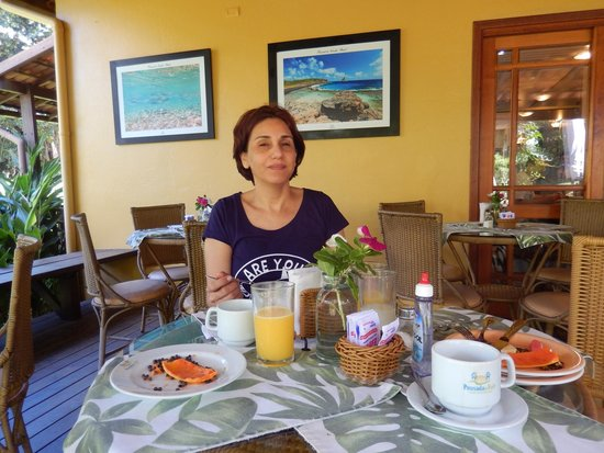 Pousada Do Vale: Área externa do café-da-manhã (ao lado da área interna do café)