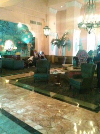 Embassy Suites by Hilton Miami - International Airport : lobby