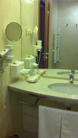 City Plaza Hotel: Sink