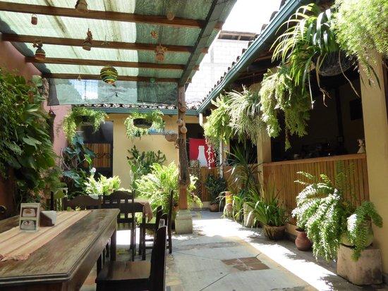 Comedor y Pupuseria Mary : veranda