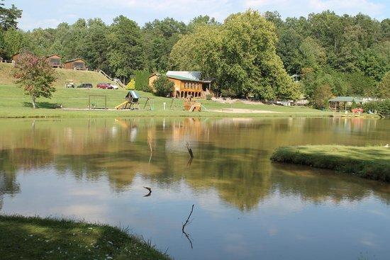 Hidden Creek Camping Resort: Lake View