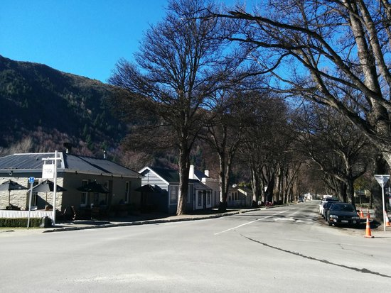Arrowtown Village: Historic houses in Arrowtown