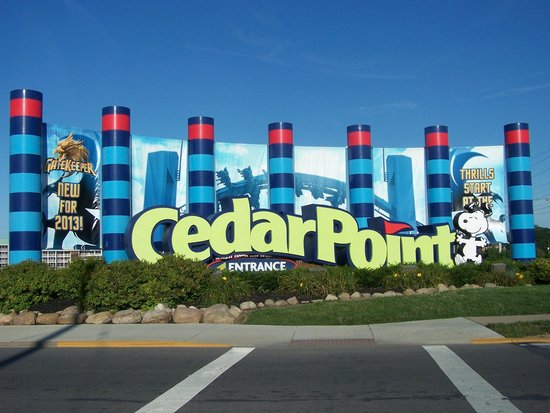 entry to cedar point picture of cedar point amusement. Black Bedroom Furniture Sets. Home Design Ideas