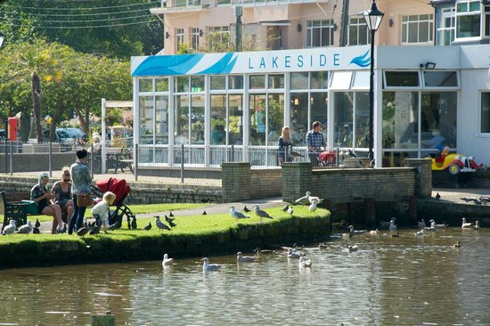 Lakeside Cafe : View of exterior