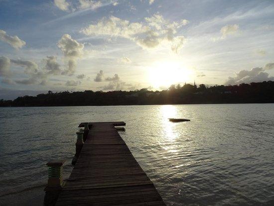 Fatumaru Lodge: sunset from jetty