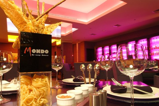 Mondo Bar, Lounge & Restaurant