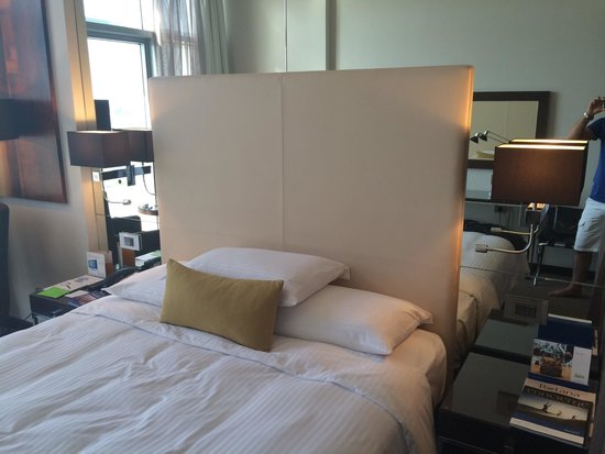 Centro Capital Centre: Room1
