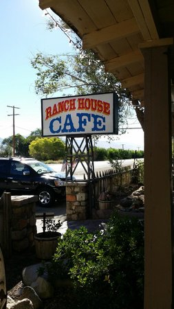 Ranch House Cafe: sign