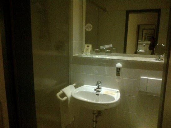 ANDERS Hotel Walsrode: sale de bain