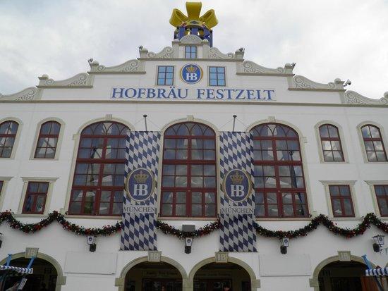 Ruhmeshalle und Bavaria: Hofbrau beer tent