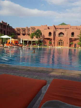 Palm Plaza Marrakech Hotel & Spa: Au coeur de piscine