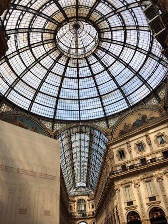 Milano Cafe : Milano: Galleria Garibaldi