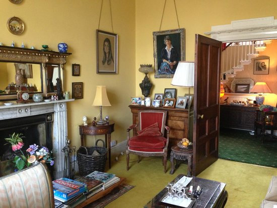 Braganza: The Drawing room