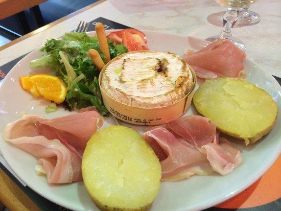 Le camembert au four picture of le terminus toulon - Cuisiner le maquereau au four ...
