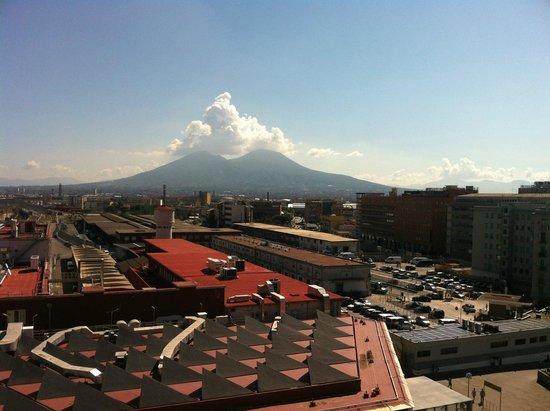 Starhotels Terminus: view to il Vesuvio from the room 627