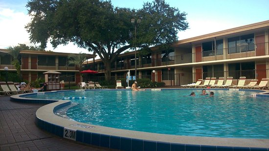 Ramada Kissimmee Gateway: View of the second pool area