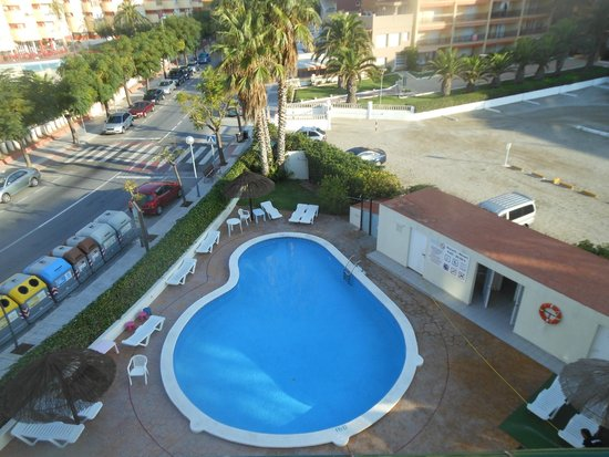 Hotel Terramarina : бассейн-кроха