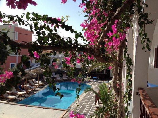 Kafouros Hotel: Zicht vanuit kamer 16