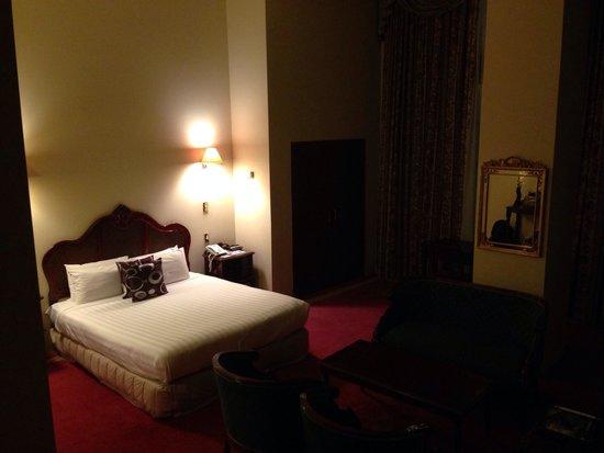 VR Hamilton Hotel: Our Deluxe Queen Room