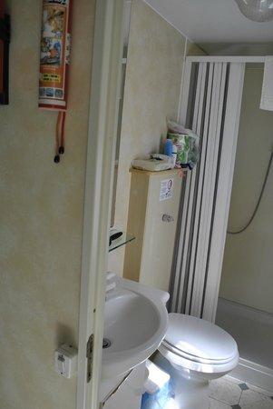 Bagno foto di puntala camp resort castiglione della - Odore di fogna in bagno ...