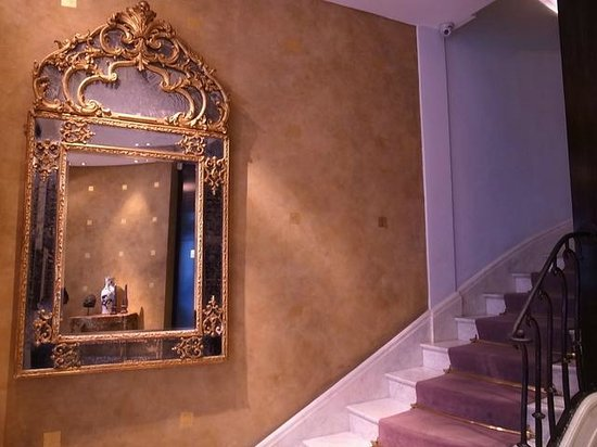 Hotel Montalembert : Hotel Stairs