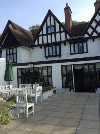 BEST WESTERN Webbington Hotel and Spa : hotel from rasied patio