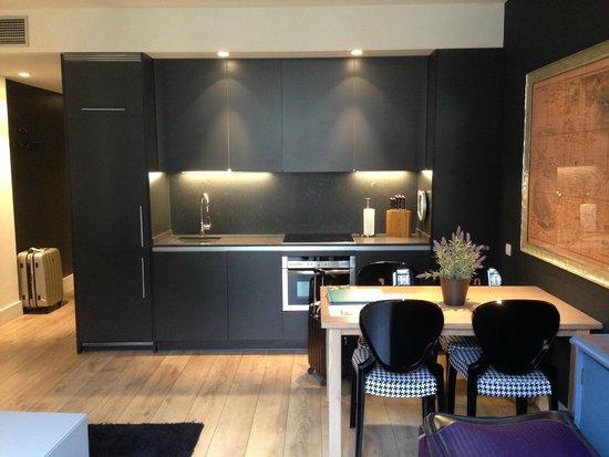Angla Luxury Apartments Passeig de Gracia: Kitchen