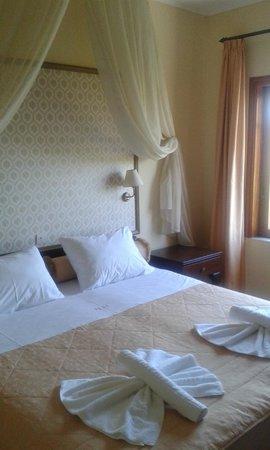 Halepa Hotel : Schöne Zimmer alle gleich stilvoll eingerichtet