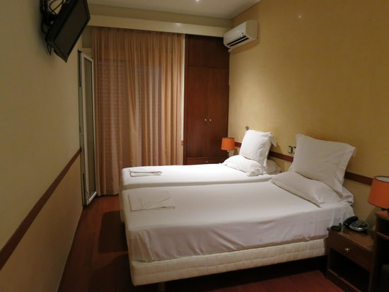 Ephira Hotel : Комната