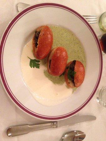 Restaurant La Petite Verrerie: Brioche avec escargot