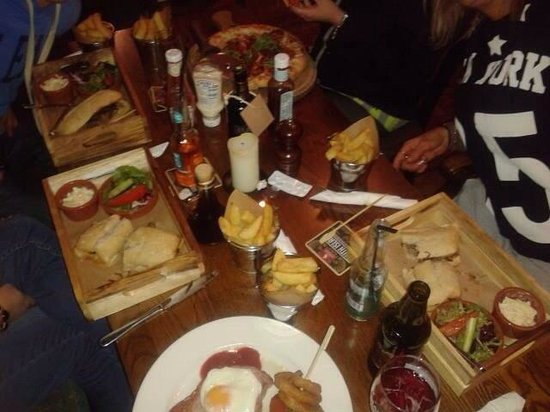 The Bulls Head & Lodge: Really lovely food and well worth the wait 5 stars