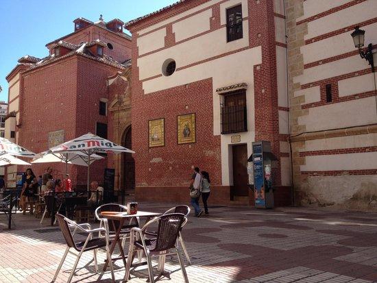 Pizzeria Arte in Farina: plaza de los mártires