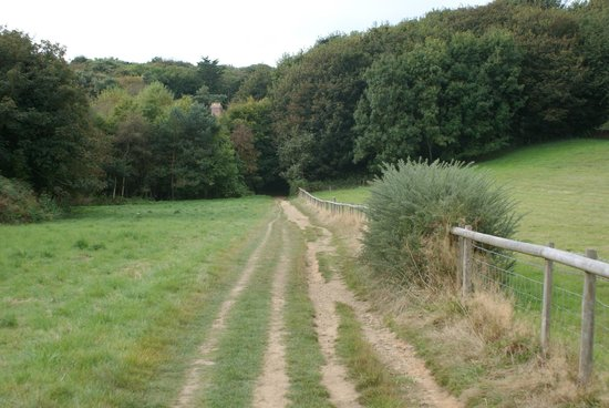 Stocks Hotel: The footpath approach to Stocks