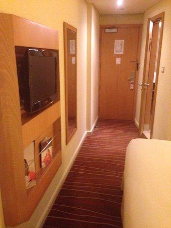 Ibis Deira City Centre : Rooms are decently spacious