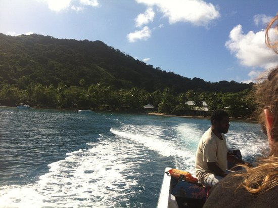 Kulu Bay Resort: leaving kulu bay to visit the village