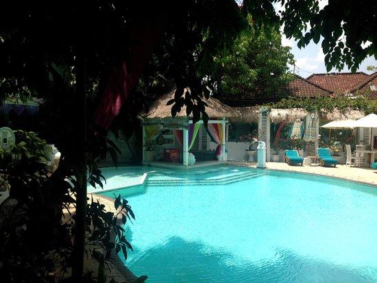 Bali Mystique Hotel and Apartments : 1 of 2 pools