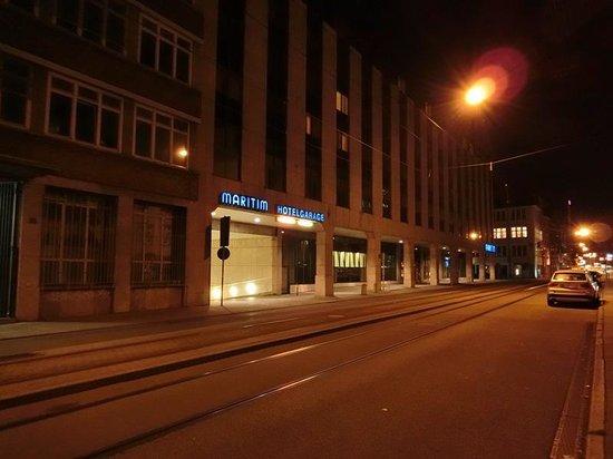 Maritim Hotel Stuttgart: 駐車場側??