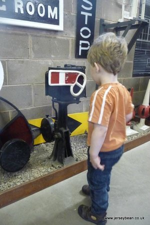 Conwy Valley Railway Museum & Model Shop: Miniature Signal