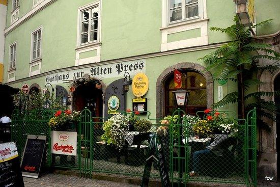 Gasthaus zur alten Press: Zur alten Press, Gastgarten