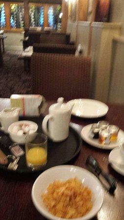Dog & Bear Hotel: Breakfast