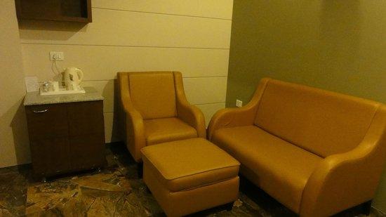 Hotel Chirag: Salita dene entrada a la habitación