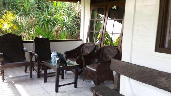 Rini Hotel: Terrasse perso