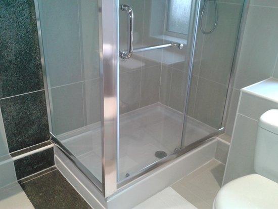 Baltimore Hotel: Bathroom