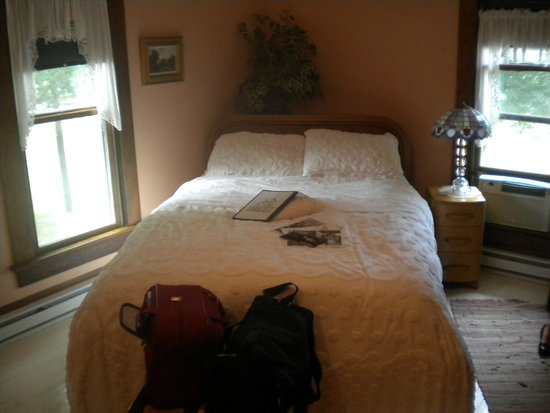 Tryon Farm Guest House B&B: Comfortable bed
