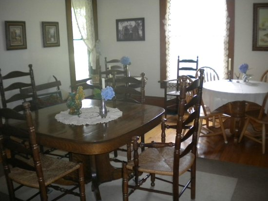 Tryon Farm Guest House B&B: Dining area
