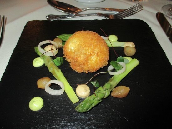 Lindeth Howe Country House Hotel: Crispy Hen's Egg Starter