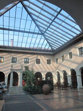 AC Hotel Palacio de Santa Ana: galería interior